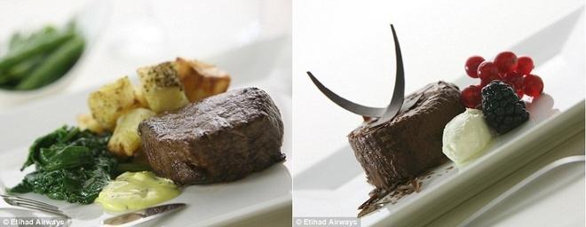 Nhung suat an hang khong ngon nhat the gioi hinh anh 6 Hành khách hạng nhất của Etihad được thưởng thức những món hảo hạng như xúc xích Béarnaise, khoai tây nướng và rau chân vịt (trái), và những món tráng miệng như bánh sô-cô-la với dâu và kem. Ảnh: Dailymail.co.uk