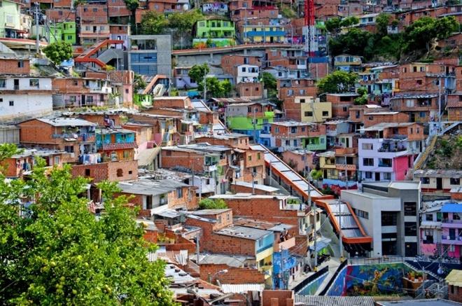 10 phuong tien giao thong di nhat hanh tinh hinh anh 3 Thang máy ngoài trời ở Medellín, Colombia. Ảnh: Action Press/Rex