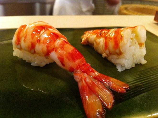 Pho Viet lot top nhung mon phai an mot lan trong doi hinh anh 7 Thưởng thức sushi ngon nhất thế giới ở Sukiyabashi Jiro, nhà hàng sushi nổi tiếng nhất Nhật Bản