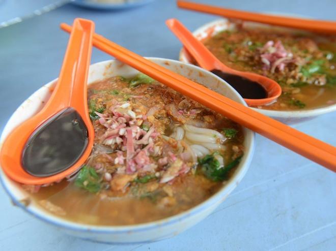 Pho Viet lot top nhung mon phai an mot lan trong doi hinh anh 10 Asam Laksa, món súp cá cay ở Penang, Malaysia