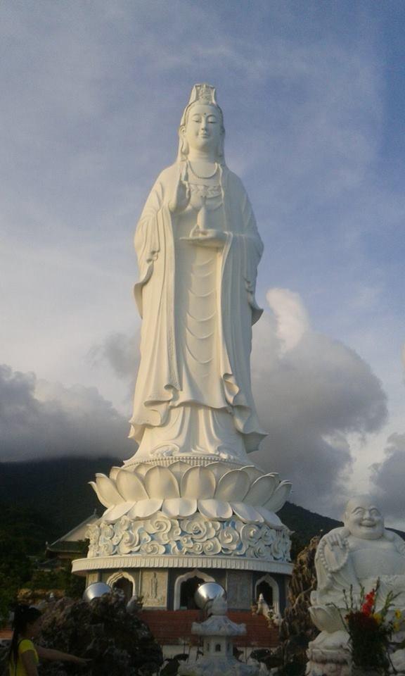 Viếng thăm Phật Bà trên Linh Ứng Tự