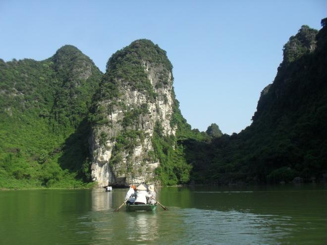 Ninh Binh: Dat co do sac nuoc nghieng troi hinh anh