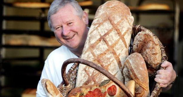 """Nhung cach cau may nam moi doc nhat the gioi hinh anh 7 Ireland: Ngày cuối năm còn được gọi là """"Ngày của bánh mì"""" trong tiếng Gaelic. Ở Ireland, người dân sẽ dùng bánh mì đập lên cửa và tường để đuổi xui rủi ra khỏi nhà và mời vận may vào."""