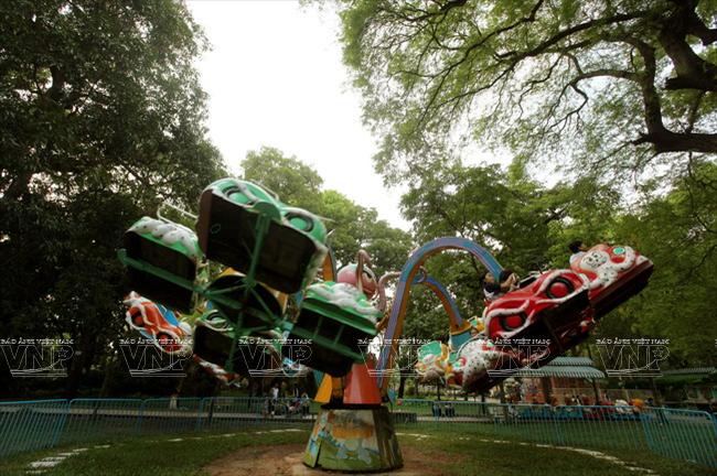Toi tham mot trong 8 so thu lau doi nhat the gioi o Viet Nam hinh anh 4 Khu vui chơi dành cho khách thăm quan.