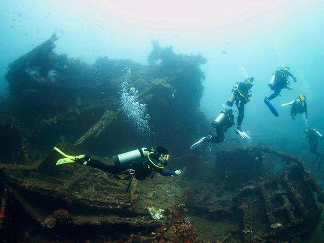 10 diem du lich tuyet nhat hanh tinh nam duoi long bien hinh anh 10 10. Tàu USAT Liberty, Bali, Indonesia: Trúng phải thủy lôi của Nhật vào Thế chiến II, con tàu này mắc kẹt trên bãi biển và sau đó bị đẩy xuống biển bởi dòng nham thạch trong một vụ phun trào núi lửa năm 1963.