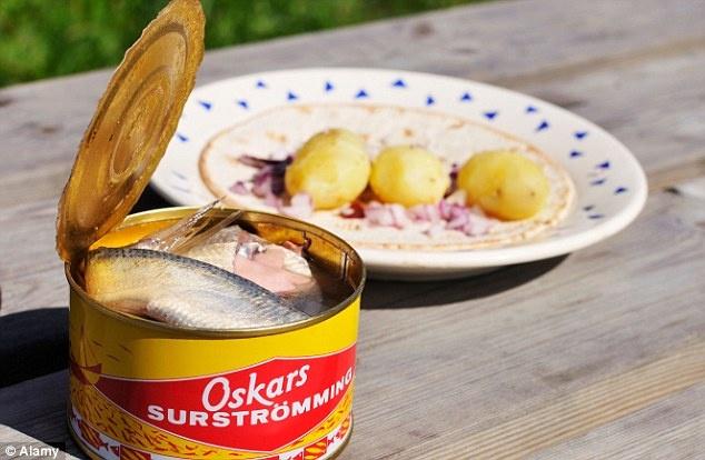 Cac mon an truyen thong kho nuot khap nam chau hinh anh 7 Món đặc sản của Thụy Điển là cá trích đã lên men.