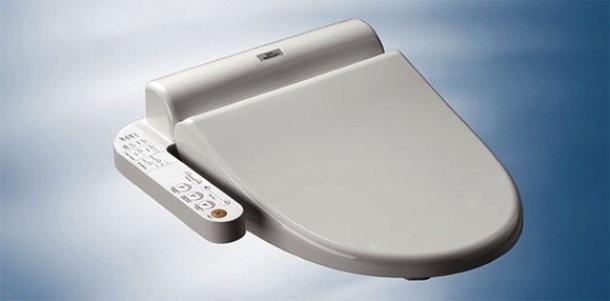 Nhung dieu la lung o Nhat Ban (phan 2) hinh anh 10 Bệ xí rửa tự động: Bệ xí rửa tự động tại Nhật sẽ xịt nước rửa sạch cho bạn sau khi đi vệ sinh. Đây là chuyện bình thường với người Nhật, nhưng các du khách mới tới đây không thể không giật mình khi sử dụng toilet.