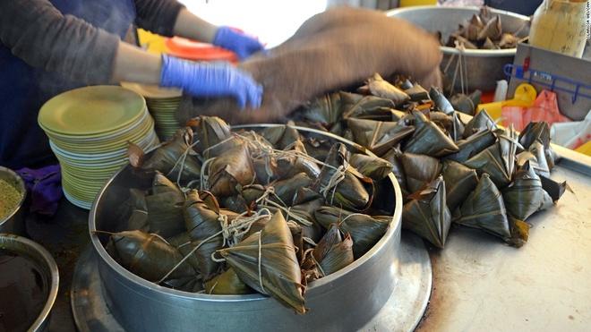 Nhung mon an via he ngon chay nuoc mieng o Dai Loan hinh anh 5 Bánh Zong Zi: Bánh Zong Zi của Tainan có lớp vỏ gạo mềm dai kèm phần nhân đậm đà.