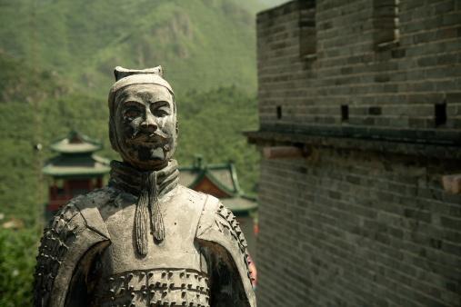 Nhung truyen thuyet bi an ve Van Ly Truong Thanh hinh anh 4 Tượng lính đặt ở Vạn Lý Trường Thành