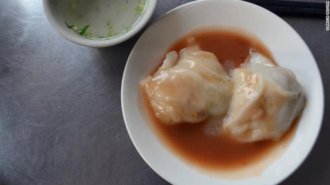 Nhung mon an via he ngon chay nuoc mieng o Dai Loan hinh anh 17 Thịt viên Đài Loan (Ba wan): Món ăn này gồm phần nhân mặn làm từ thịt lợn và măng, bọc trong lớp vỏ mềm mại làm từ bột gạo, bột ngô và bột khoai lang. Nước sốt có vị ngọt tạo ra hương vị độc đáo cho món ăn này.