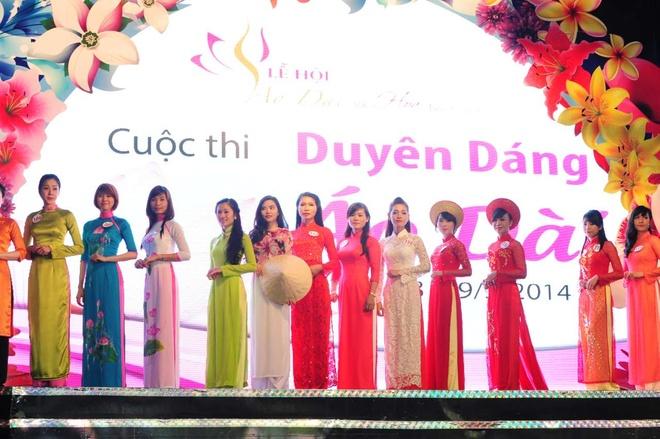Le hoi Ao dai thanh pho Ho Chi Minh dien ra dung dip 8/3 hinh anh