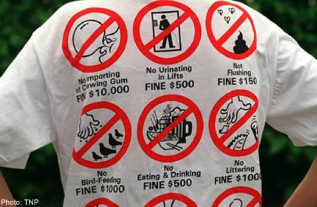 Nhung dieu la lung o Singapore hinh anh 11 Thành phố của những điều luật lạ lùng: Bạn không được nhai kẹo cao su, không được hôn nhau ngoài phố, không được hút thuốc lá nơi công cộng,