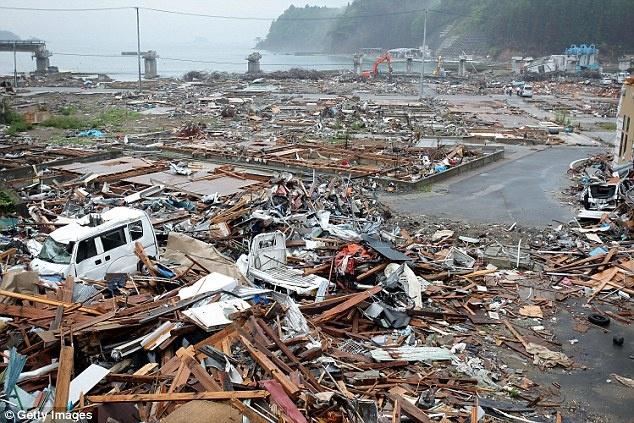 'Du lich tham hoa' ngay cang hut khach hinh anh 3 Du khách tới xem hậu quả của thảm họa hạt nhân ở Fukushima.