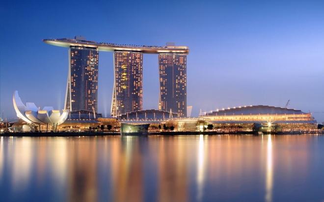 Nhung dieu la lung o Singapore hinh anh 9  Singapore là một trong ba quốc gia thành phố đang tồn tại trên thế giới: Chỉ có ba quốc gia dạng thành phố không có thủ đô đang tồn tại trên thế giới, bao gồm Monaco, Vatican và Singapore.