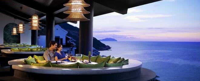 10 resort Viet sieu sang lam khach Tay me met hinh anh 3 Nội thất sang trọng, ẩm thực thượng hạng với các hình thức giải trí phong phú đem lại cho du khách những trải nghiệm tuyệt vời.