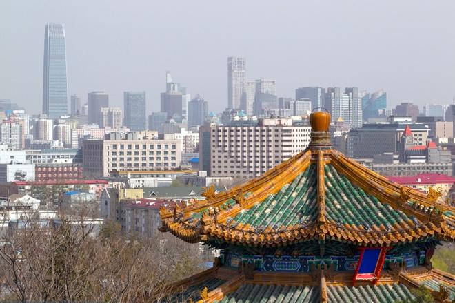 Du lich chau A chi voi 600.000 dong mot ngay hinh anh 1 Bắc Kinh, Trung Quốc: Bắc Kinh có hai mặt: cổ điển và hiện đại. Một Bắc Kinh cổ điển với các nhà hàng và chợ truyền thống, các di tích lịch sử ấn tượng. Mặt khác là Bắc Kinh hiện đại với những hộp đêm, ẩm thực cao cấp và các cửa hiệu mua sắm hạng sang. Nếu khéo chi tiêu và không quá mạnh tay, bạn hoàn toàn có thể tận hưởng một chuyến đi ở Bắc Kinh với 600.000 đồng một ngày.