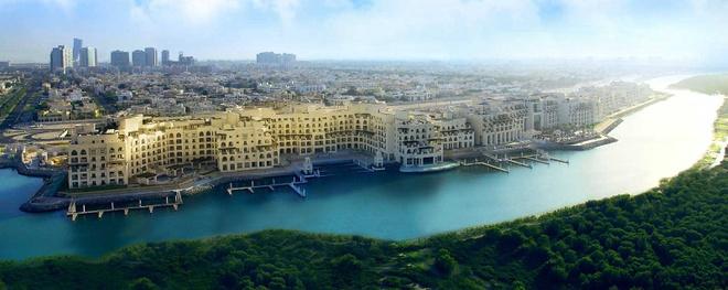 Nhung ly do khien Abu Dhabi tuyet hon Dubai hinh anh 1 1. Rừng đước: Dubai đang xây dựng một kênh đào, nhưng ở Abu Dhabi có một rừng đước ven sông rộng tới 60.000 m2. Tại đây, du khách có thể tham gia những hoạt động thú vị như ngắm động vật hoang dã, chèo thuyền...