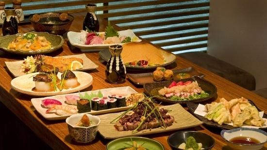 Các món ăn Nhật thường được chế biến thành các miếng vừa miệng. Ảnh: Asian-recipe.com