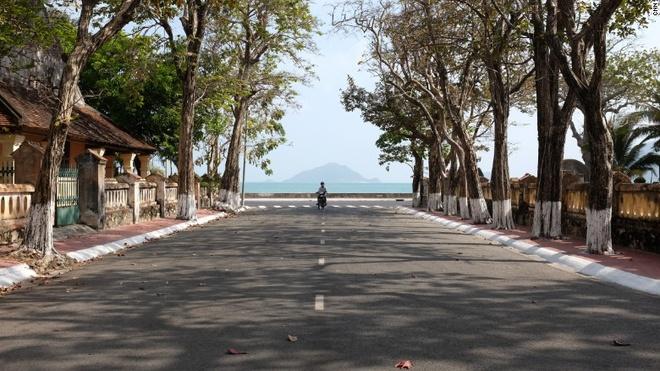 Nhung dia danh Viet duoc nuoc ngoai vinh danh hinh anh 11 Côn Đảo: Chương trình CNN Go đã ghi lại những hình ảnh tuyệt đẹp của Côn Đảo, một hòn đảo bình yên, trong lành.