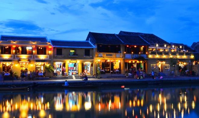 Nhung dia danh Viet duoc nuoc ngoai vinh danh hinh anh 7 Hội An: Phố cổ Hội An không chỉ là điểm đến yêu thích của du khách trong nước mà còn nhận được nhiều danh hiệu du lịch từ các tổ chức uy tín trên thế giới.  Ảnh:
