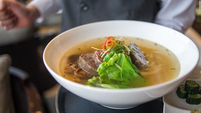 """Viet Nam vao top dia diem an ngon nhat the gioi hinh anh 10 Đài Loan: Triết lý ẩm thực của Đài Loan rất đơn giản, đó là """"Ăn thường xuyên và ăn ngon"""". Do đó bạn có thể thấy những quán ăn đủ loại xuất hiện khắp nơi. Chỉ riêng Đài Bắc đã có tới 20 con phố chuyên bán đồ ăn vặt."""
