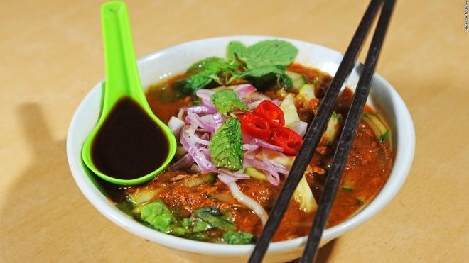 Viet Nam vao top dia diem an ngon nhat the gioi hinh anh 5 Malaysia: Ẩm thực Malaysia chịu sự ảnh hưởng của ẩm thực Trung Quốc, Ấn Độ và Mã Lai. Những món ăn của quốc gia Đông Nam Á này có thể làm hài lòng ngay cả các vị khách khó tính nhất. Nếu đến đây, hãy thưởng thức món Laska làm từ cá, tôm với nước dùng cay.