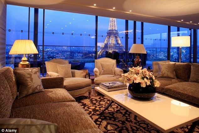 Phòng Panoramique tại khách sạn 5 sao Shangri-La (Paris, Pháp). Ảnh: Daily Mail.