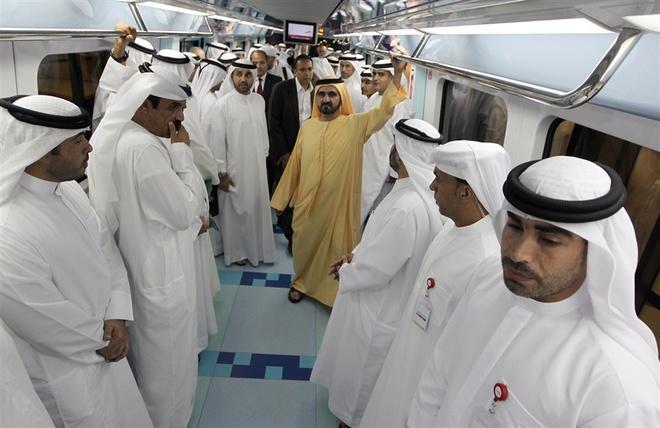 """Nhung dieu khac biet ve nguoi Dubai hinh anh 4 4. Hay đệm từ """"Habibi"""" và """"Yallah': Trong tiếng Ả Rập, """"Habibi"""" có nghĩa là """"bạn thân mến"""" dành cho nam giới. Người ta dùng từ """"Yallah"""" (Nhanh lên nào) khi muốn giục giã người khác. Ảnh: Nbcnews."""