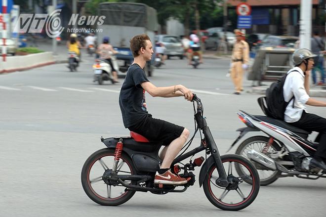 Nhung hanh dong xau xi cua khach du lich o Viet Nam hinh anh 7