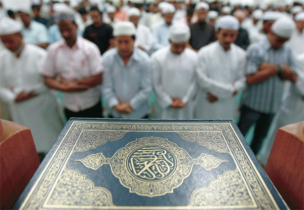9. Tôn trọng những người thực thi lễ Ramadan: Người Dubai sẽ cẩn trọng không ăn uống ở các khu vực công cộng trong lễ Ramadan (lễ nhịn ăn, nhịn uống vào ban ngày của người theo đạo Hồi). Ảnh: