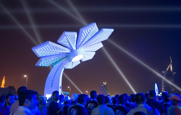 Dubai lap 'cay thong minh' phat Wi-Fi mien phi hinh anh