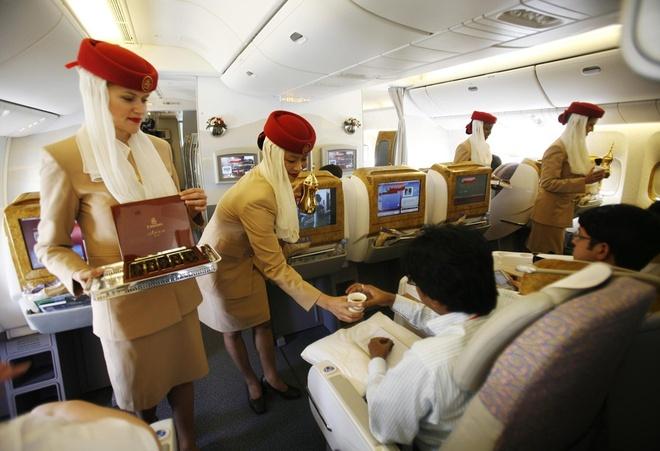 Vi sao du khach khong muon roi Dubai? hinh anh 4 Chất lượng dịch vụ: Dubai đã không tiếc tiền và công sức để đầu tư vào yếu tố con người, đưa thành phố trở thành một trong những điểm du lịch hàng đầu thế giới. Các nhân viên làm trong ngành dịch vụ của Dubai được đào tạo bài bản, chuyên nghiệp, luôn sẵn lòng phục vụ du khách.  Ảnh: Planetsiol.