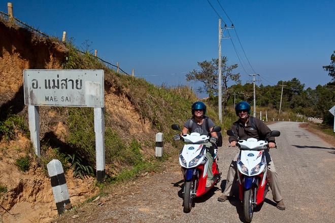 Xin tu van thu tuc di xe may sang Campuchia, Thai Lan va Lao hinh anh