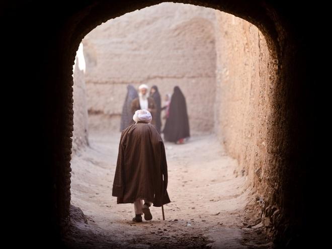 Chang trai di du 198 nuoc truoc tuoi 40 hinh anh 4 Garfors ghi lại hình ảnh một cụ già ở Herat, Afghanistan.