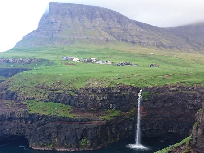 """Chang trai di du 198 nuoc truoc tuoi 40 hinh anh 9 Điều duy nhất Garfors muốn nói về Faroe, một quần đảo nằm giữa Na Uy và Iceland là: """"Bạn còn chờ đợi gì nữa? Hãy tới quần đảo Faroe đi""""."""