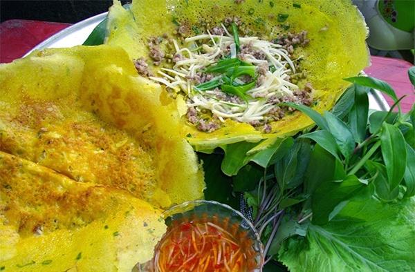 Nhung mon ngon dac san khong the bo qua o Ben Tre hinh anh 2 Bánh xèo ốc gạo cũng là một trong những đặc sản Bến Tre cực nổi tiếng.