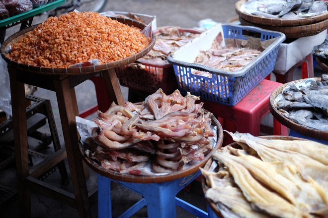 Tham vuong quoc mam o cho Chau Doc, An Giang hinh anh 4 Các loại khô cá