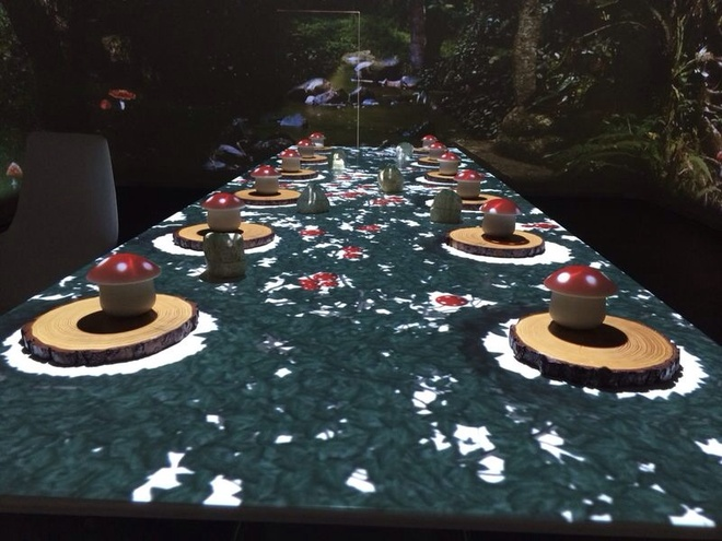 Nhung bua an sieu dat chi danh cho dai gia hinh anh 2 Với khoảng 25 nhân viên sẽ phục vụ, các thực khách sẽ có những trải nghiệm tuyệt vời như thưởng thức cocktail tự pha, ngắm hình chiếu 360 độ, và các món ăn được chế biến theo kĩ thuật sáng tạo. Ảnh: Barco.