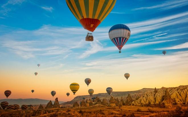 15 diem den mo uoc cho Ngay quoc te du lich hinh anh 3 3. Göreme, Thổ Nhĩ Kỳ: Đây là nơi bạn có thể chụp những bức ảnh trên khinh khí cầu giữa khung cảnh hùng vĩ khiến bạn bè ghen tị.