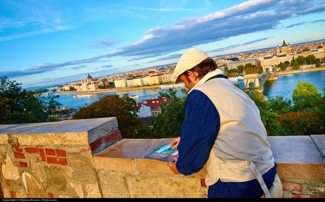 15 diem den mo uoc cho Ngay quoc te du lich hinh anh 8 8. Budapest, Hungary: Với bề dày văn hóa, lịch sử, kiến trúc và cuộc sống về đêm sôi động, Budapest là điểm đến tuyệt vời. Đặc biệt, thành phố này còn có những bể tắm trị liệu lớn nhất châu Âu để du khách thư giãn sau một ngày khám phá.