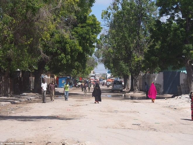 Noi du khach phai co cac tay sung ho tong hinh anh 15 Untamed Borders cho biết Mogadishu đang bắt đầu bình ổn sau hàng thập kỷ chiến tranh. Công ty này đã tổ chức 6 chuyến đi trong năm nay.