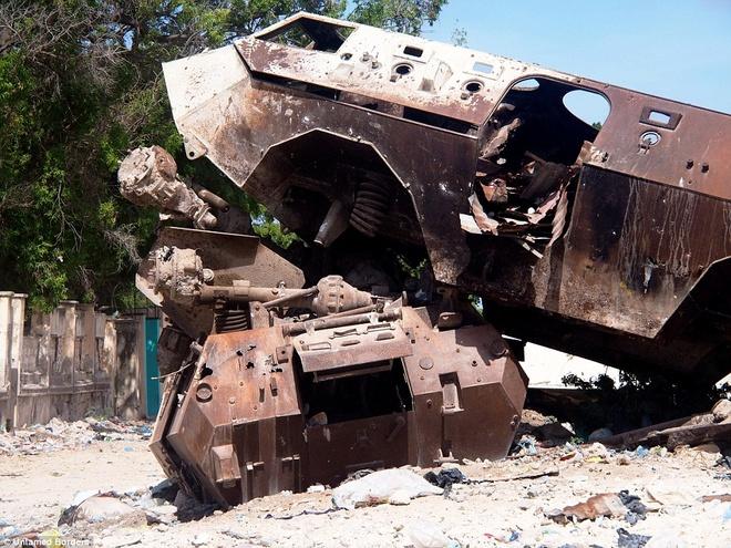 Noi du khach phai co cac tay sung ho tong hinh anh 9 Ít du khách phương Tây nào dám tới Mogadishu trong những năm gần đây, do nội chiến và nguy cơ bị khủng bố. Tuy nhiên, Ogden không gặp vấn đề gì nghiêm trọng trong chuyến đi 2 ngày.