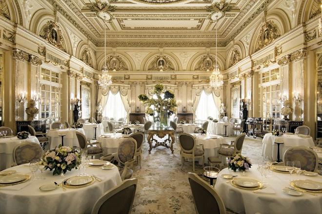 Nhung bua an sieu dat chi danh cho dai gia (phan 2) hinh anh 9 14. Le Louis XV, Monte Carlo, Monaco (<abbr class=