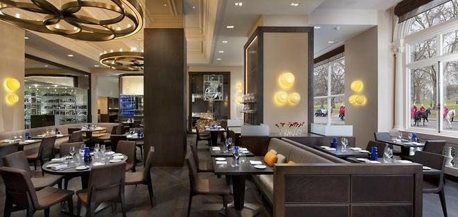 Nhung bua an sieu dat chi danh cho dai gia (phan 2) hinh anh 19 19. Dinner by Heston Blumenthal, London, Anh (<abbr class=