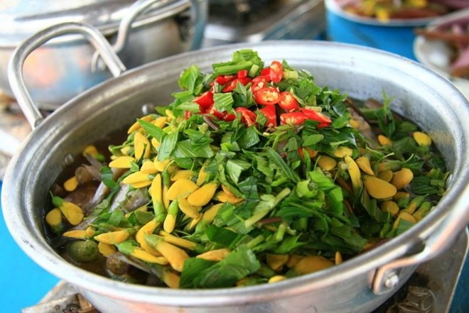 Co nen di Tien Giang an lau ca linh bong dien dien? hinh anh