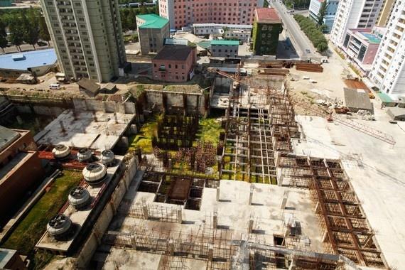 8 ngay tham thu quoc gia bi an nhat hanh tinh hinh anh 7 Tuy nhiên, thành phố cũng có nhiều khu thi công bị bỏ hoang.