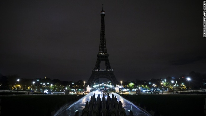 Du khach can nhac viec toi Paris sau khung bo 13/11 hinh anh 2