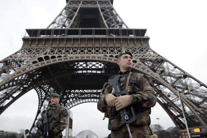 Du khach can nhac viec toi Paris sau khung bo 13/11 hinh anh