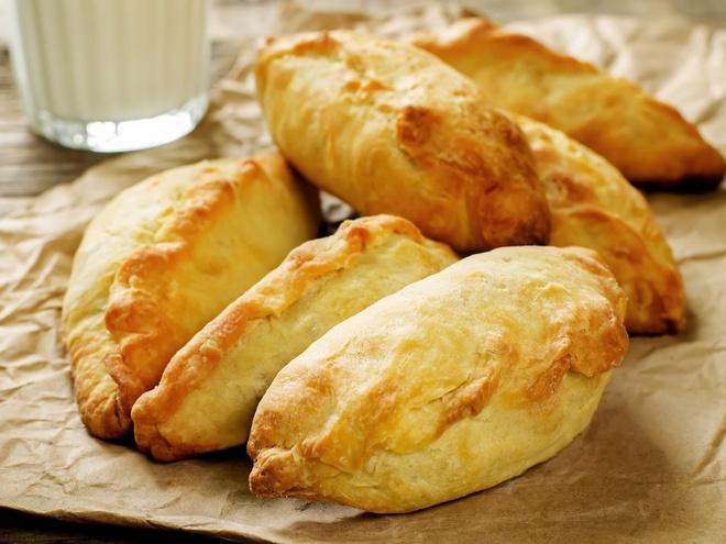 Nhung mon an via he noi danh chau Au hinh anh 16 Lithuania: Đừng bỏ lỡ cơ hội thử món Kibinai - bánh nướng nhân thịt cừu và hành - khi tới Lithuania.