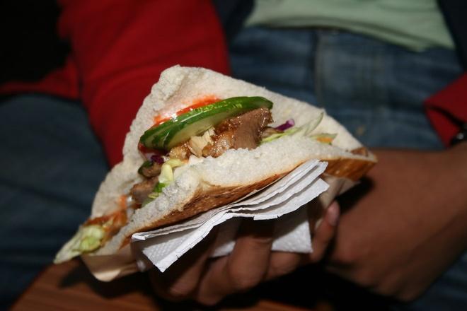 Nhung khac biet cua mon doner kebab khap the gioi hinh anh 1